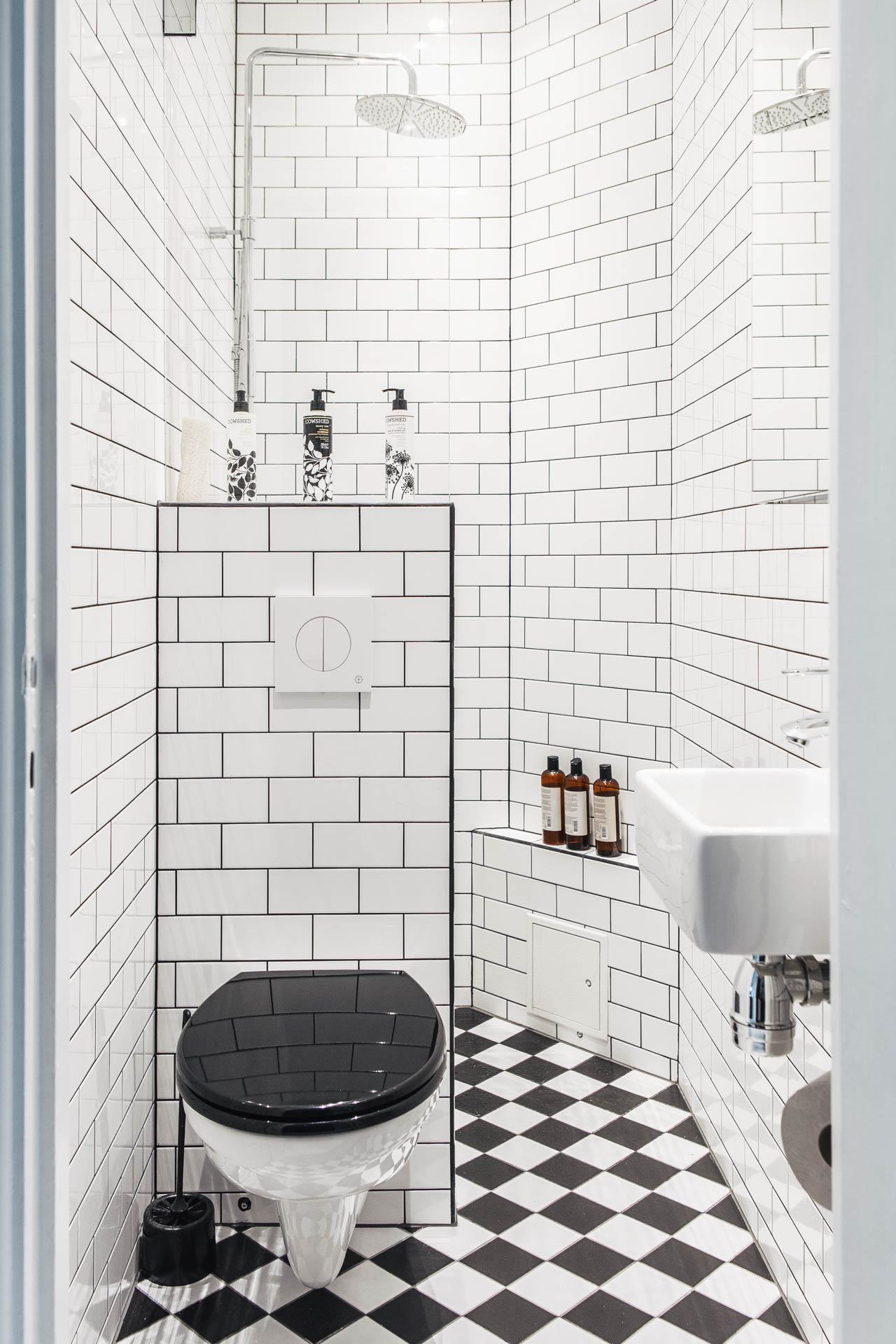Kleine badkamers voorbeelden archives pagina 2 van 11 for Salle de bain wc 2m2