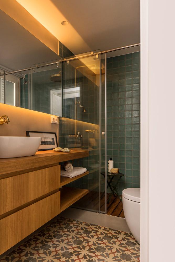 Kleine badkamer met een exotische sfeer
