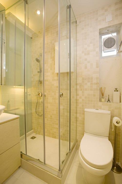 Kleine badkamer in klein appartement in Hong Kong