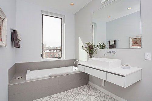 Kleine badkamer met Marokkaanse vloer