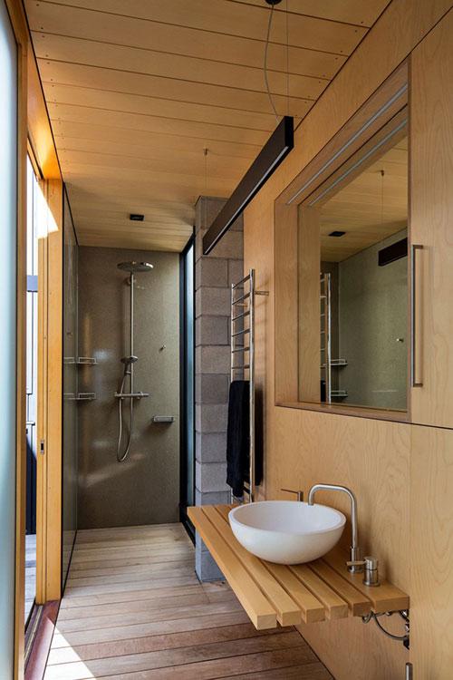 Kleine badkamer met hout badkamers voorbeelden - Badkamer hout ...