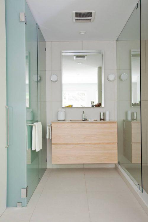 Kleine badkamer door Moosehad Contracting