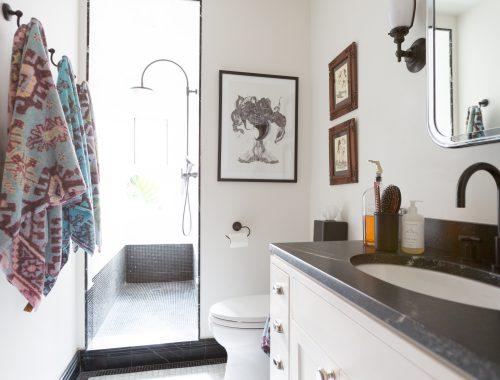 Kleine badkamer van Sara Blake