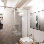 Kleine loft badkamer uit Parijs