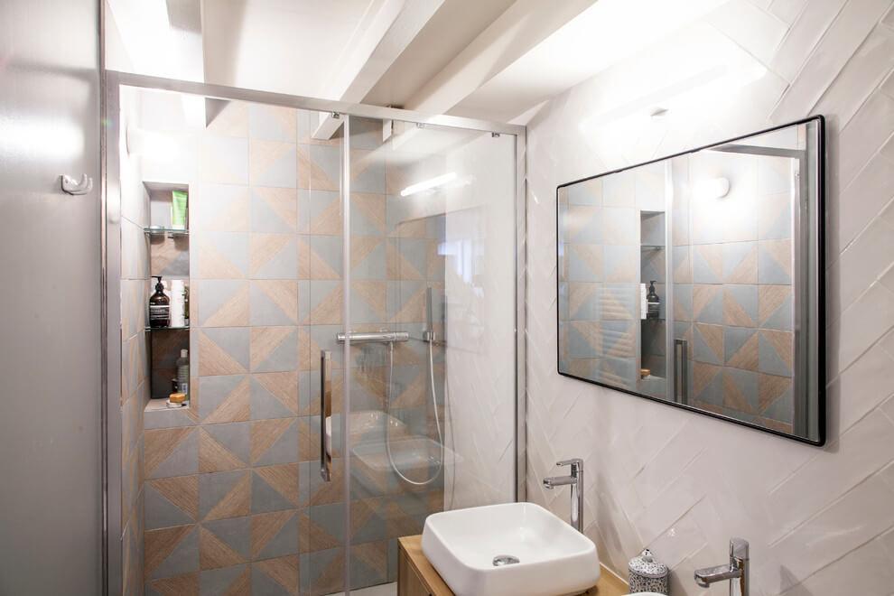 Badkamers voorbeelden kleine badkamers voorbeelden - Kleine badkamer in lengte ...