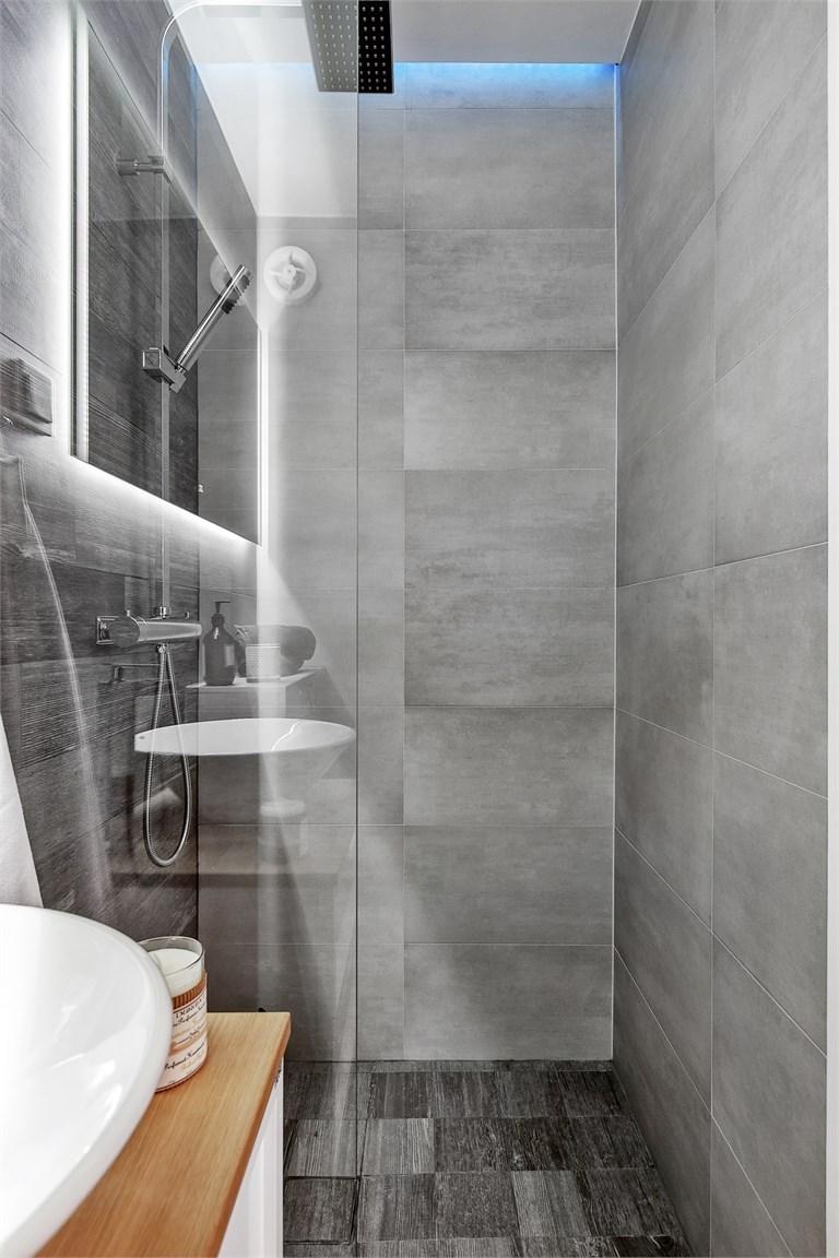 Beautiful Badkamer Grijze Tegels Images - New Home Design 2018 ...