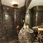 Kleine mozaïek badkamer