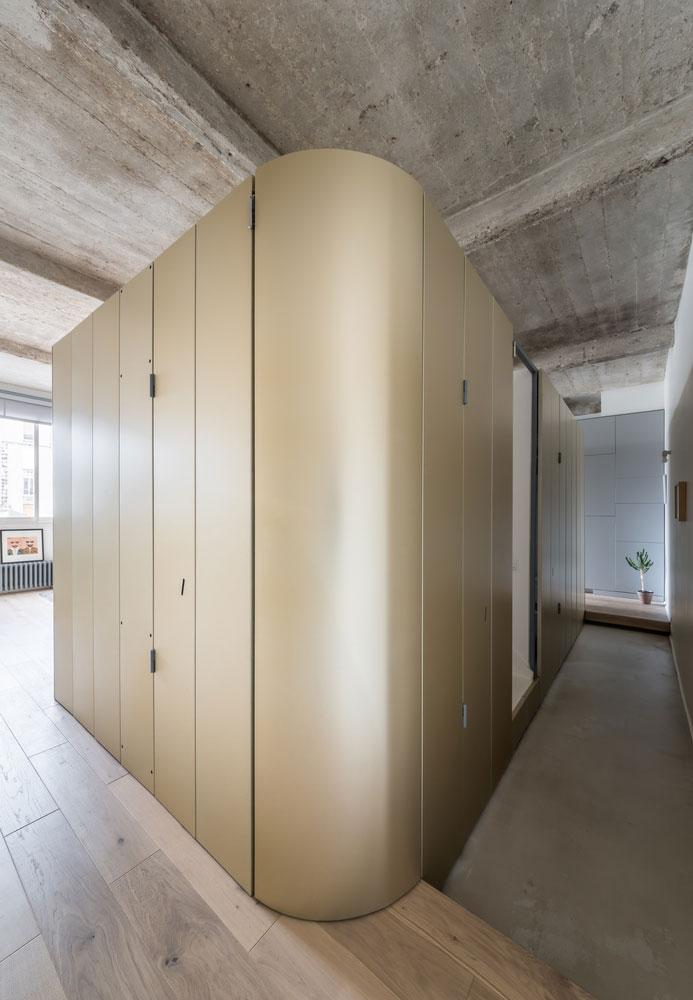 Kleine speelse badkamer met modern retro tintje