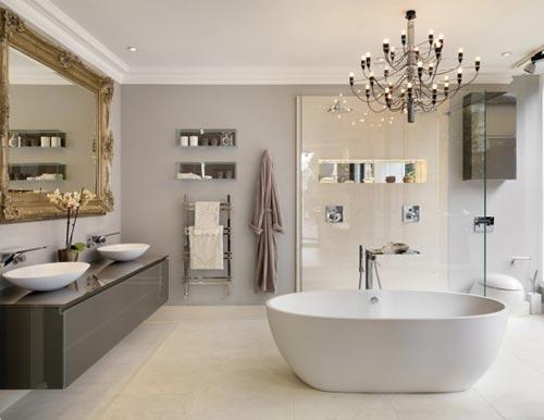 badkamers voorbeelden » kroonluchter in de badkamer, Badkamer