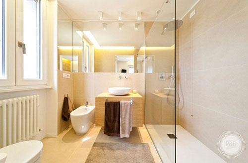 Lichte badkamer met italiaans ontwerp badkamers voorbeelden - Italiaanse badkamer ...