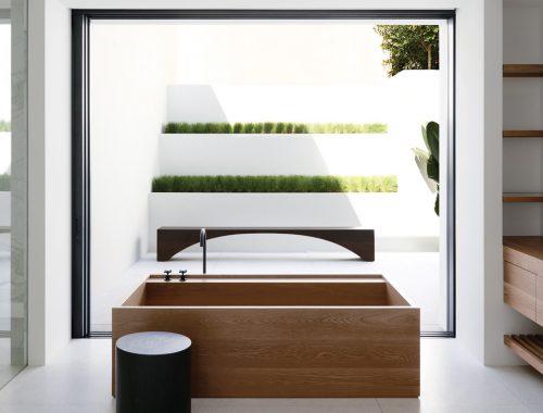 Lichte luxe badkamer door Redgen Mathieson architecten