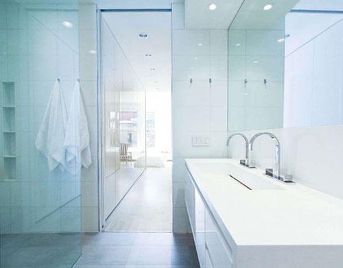Licht moderne badkamer uit New York