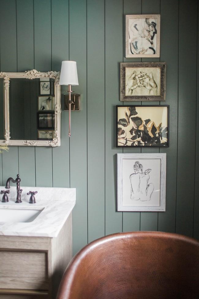 Lijsten muur badkamer