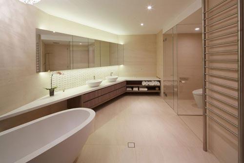 Luxe badkamer met aparte ruimtes