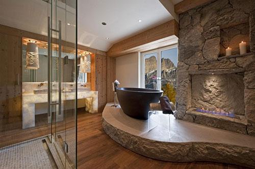Luxe badkamer van chalet in Zwitserland