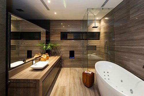 Luxe badkamer met eiken houten look