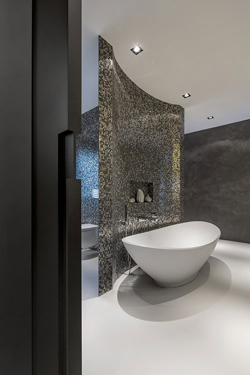 Badkamers voorbeelden ? Luxe badkamer van grote villa in Rotterdam