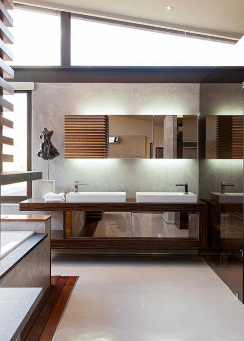Luxe badkamer aan master bedroom