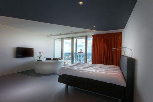 Luxe moderne badkamer in penthouse appartement in de rotterdam badkamers voorbeelden - Moderne luxe badkamer ...