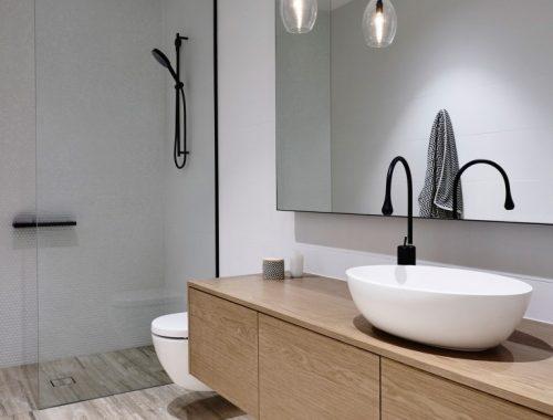 Luxe moderne badkamers ontworpen door InForm ontwerpers