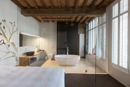 Luxe rustieke badkamer van designhotel