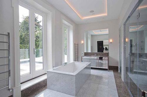Marmer in badkamer badkamers voorbeelden - Luxe marmer ...