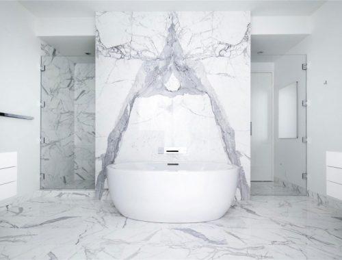 Marmeren badkamer uit authentiek appartement New York