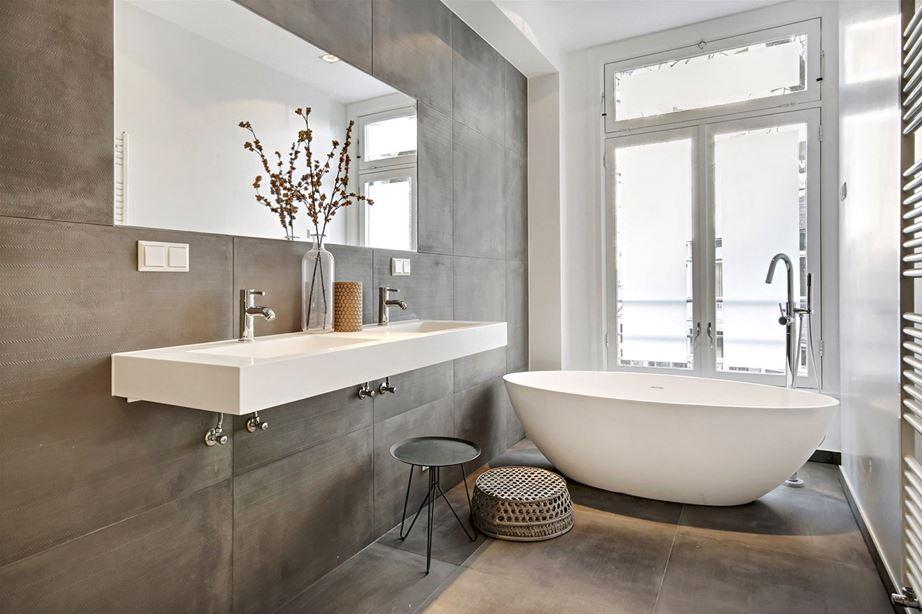 Betonlook Tegels Badkamer : Minimalistische badkamer met betonlook tegels badkamers voorbeelden