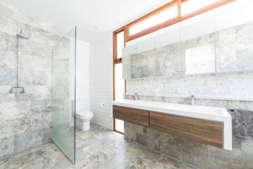 Badkamers voorbeelden minimalistische badkamers - Type marmer met foto ...