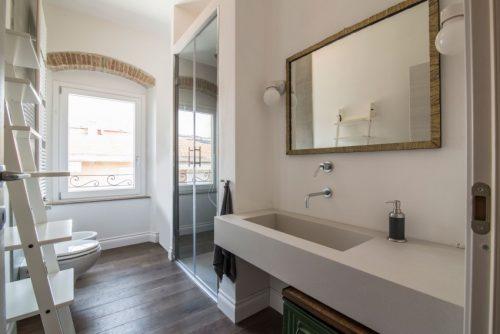 Mix van authentiek en modern in italiaanse badkamer badkamers voorbeelden - Italiaanse badkamer ...