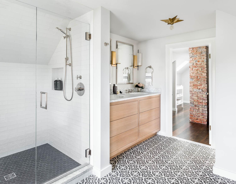 Modern klassieke badkamer door K&L Interiors - Badkamers voorbeelden