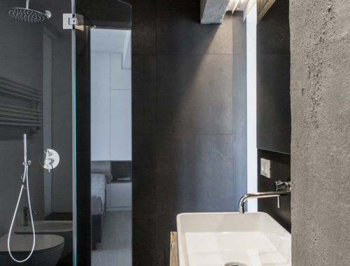 Modern stoer badkamerontwerp door RM\ Architecture