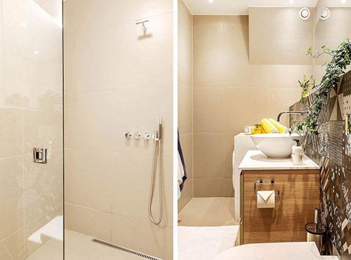 Moderne badkamer in beige tinten