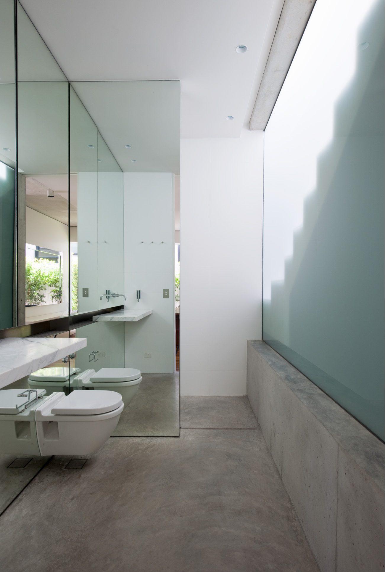 moderne badkamer betonlook vloer