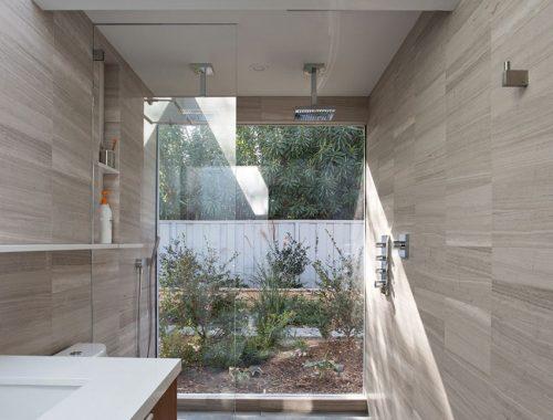 Moderne badkamer met dubbele stortdouche