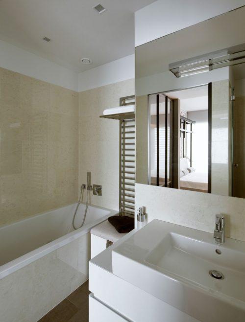 Moderne badkamer door hola design badkamers voorbeelden - Moderne badkamer badkamer ...