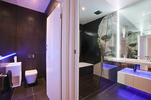 Moderne badkamer met jaren \'50 stijl - Badkamers voorbeelden