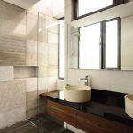 Moderne badkamer met luxe uitstraling door a-dlab