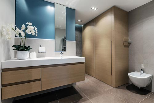 Badkamers voorbeelden » Moderne badkamer met mooi kleurenpalet