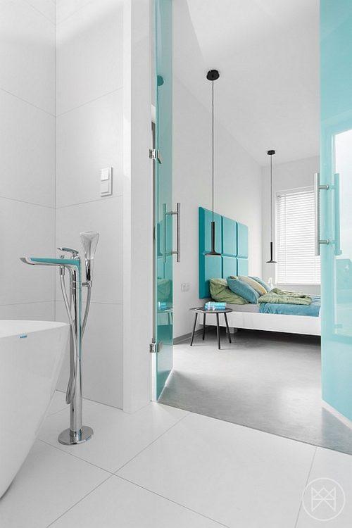 Badkamers voorbeelden ? Moderne badkamer met turquoise accenten