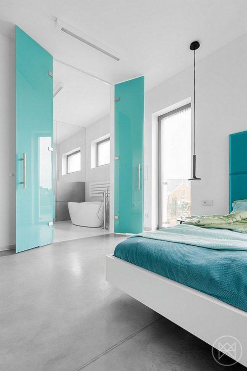 Moderne badkamer met turquoise accenten badkamers voorbeelden - Badkamer turkoois ...