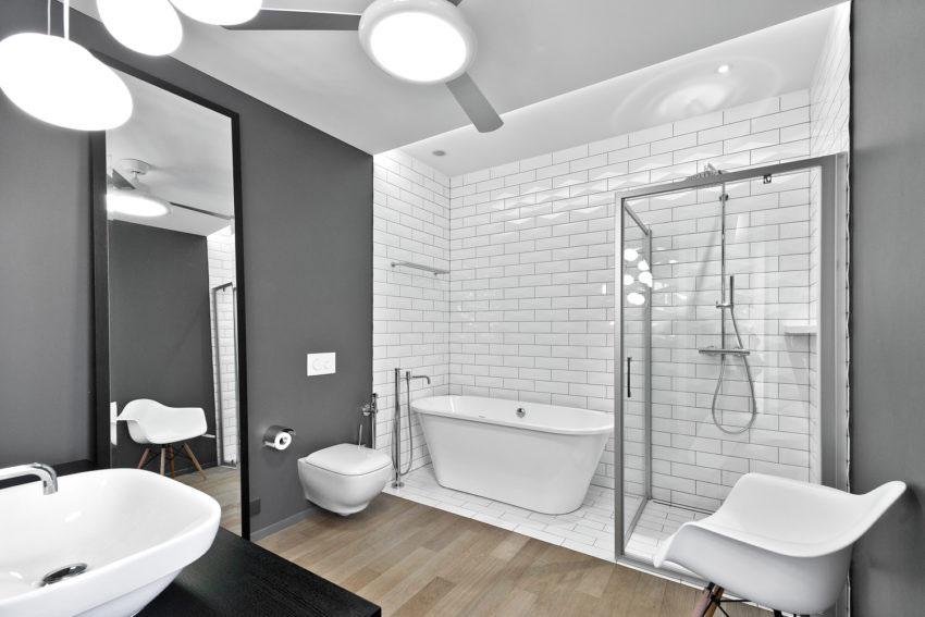 Moderne badkamer van een moderne vrijstaande villa van 275m2