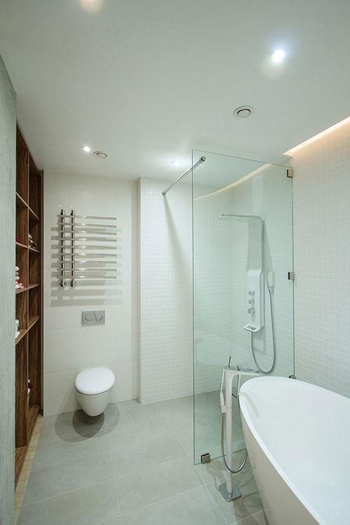 Badkamer Kast : Badkamers voorbeelden ? moderne badkamer met vaste ...