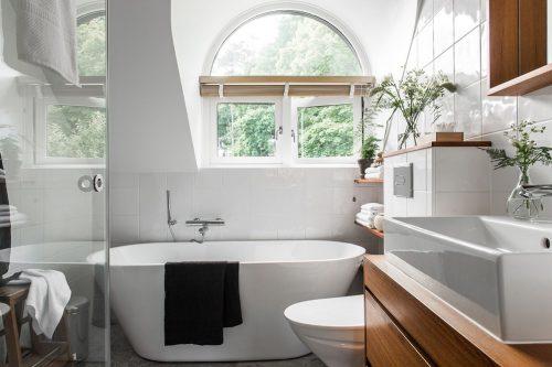 Landelijke Badkamers Voorbeelden : Moderne landelijke badkamer met moderne gemakken badkamers voorbeelden