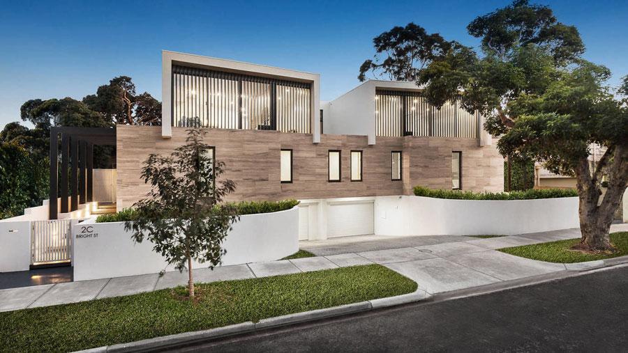 Moderne luxe badkamer door Finney Construction