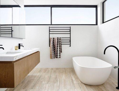 Moderne luxe badkamers van een modern herenhuis in Australië