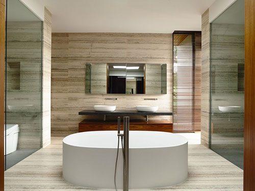 Moderne natuur geïnspireerde badkamer