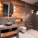 Moderne natuurlijke badkamer