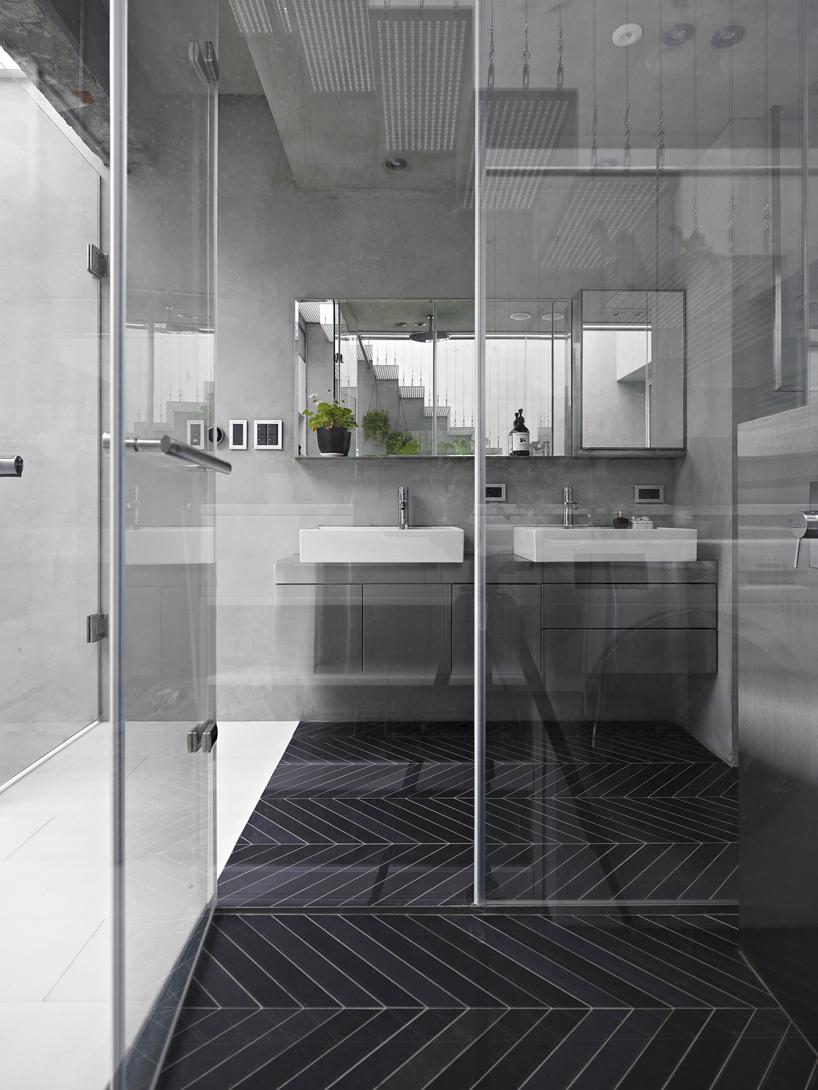 Moderne ruimtelijke badkamer