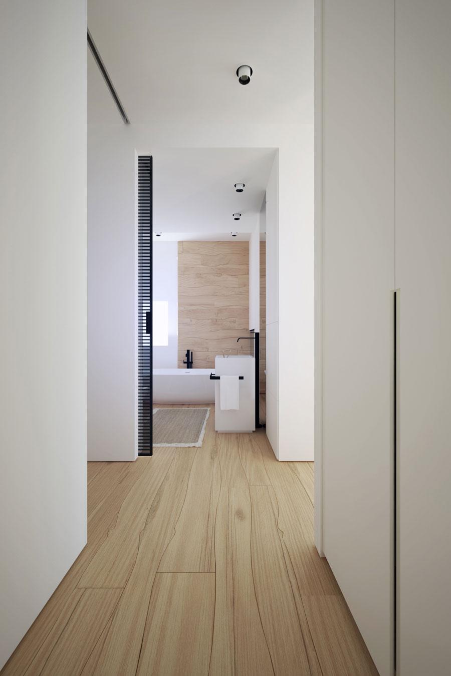 Moderne semi-transparante badkamer en suite